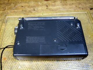 ICF-SW22 ラジオの裏側