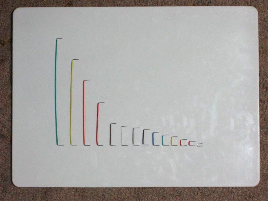 ジャンパー線をそれぞれ比較したものです。色毎に長さが異なっています。